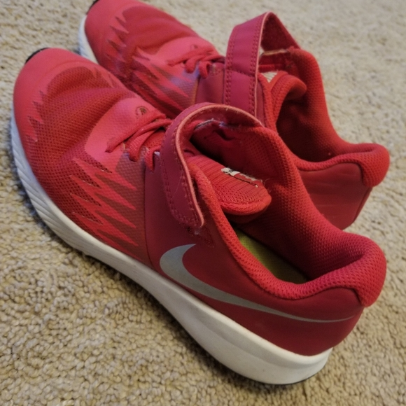 Nike Other - Boys red nike sneakers